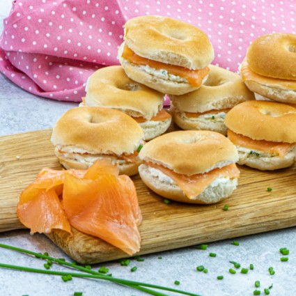 15 Smoked Salmon and Cream Cheese Bagels