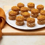 12 Mini Carrot Cakes